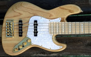 Gold- Maurice Fitzgerald Signature MF5 Natural- Upgrade pre!Bassmods 3 position mid Preamp and Bassmods REJ Pickups - 70's Pickup Spacing